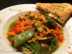 Gemüsecurry_Naan Brot