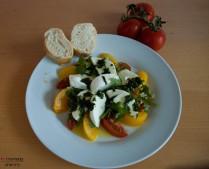 Pfirsich-Mozzarella-Tomate-Rucola_ganz
